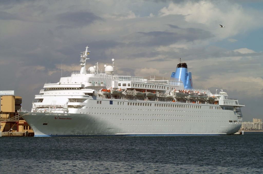 MERCHANTSHIPSinfo Thomson DreamThomson Dream - Pictures of thomson dream cruise ship